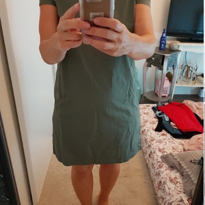 Robe chic verte à manches courtes Taille L CA3