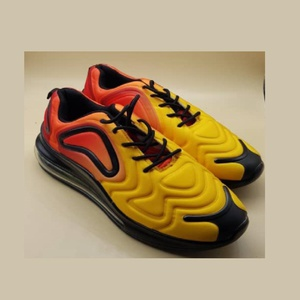 chaussures Airmax 720 copy..... Pointure 40 ..... C.1