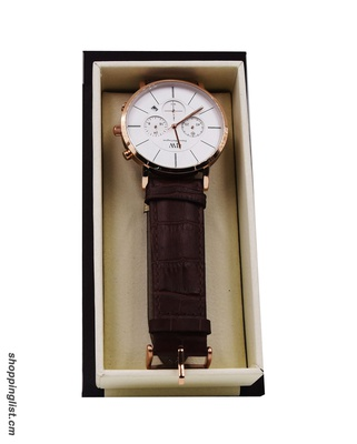 Montre Daniel Wellington en cuir marron.