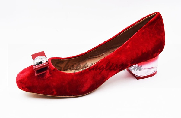 Chaussure dame en din rouge.