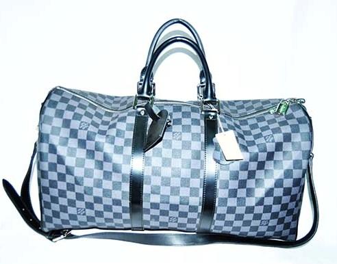 ShoppingList   Sacs de voyage fourre tout Louis Vuitton ... aee28ee46b7